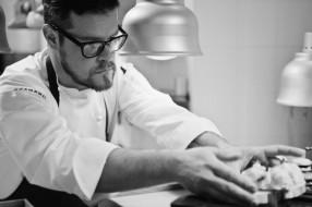 Eugenio Boer nel suo nuovo ristorante a Milano: Essenza